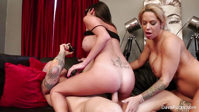 Alyssa Lynn and Dava Foxx share this hard cock