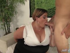 Plumper Erin Green swallows this hard dick
