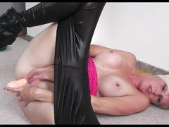Blondie in anal masturbation more on voayercams.com