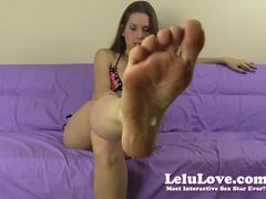 Lelu Loves exposes her hot body