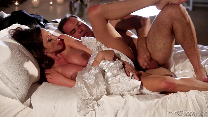 Dick craving bride Ariella Ferrera