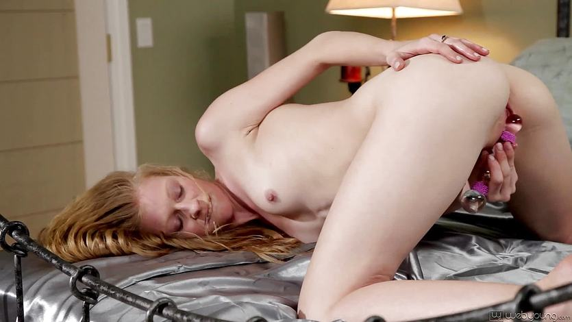 Pretty blonde Avril Hall playing with herself