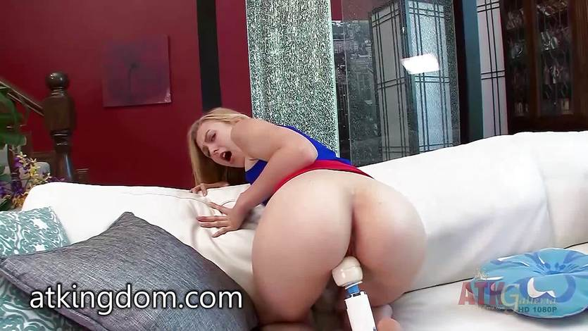 Alexa Grace plays with her pink pussy