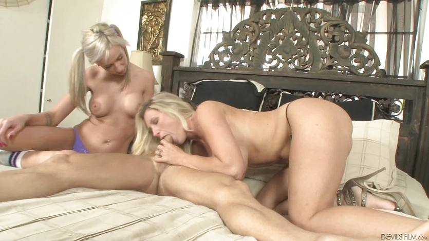 Devon Lee teaches her step daughter hot to give a blowjob