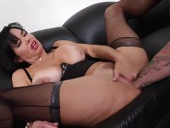Pussy slamming sexy squirter and fisting Veronica Avluv
