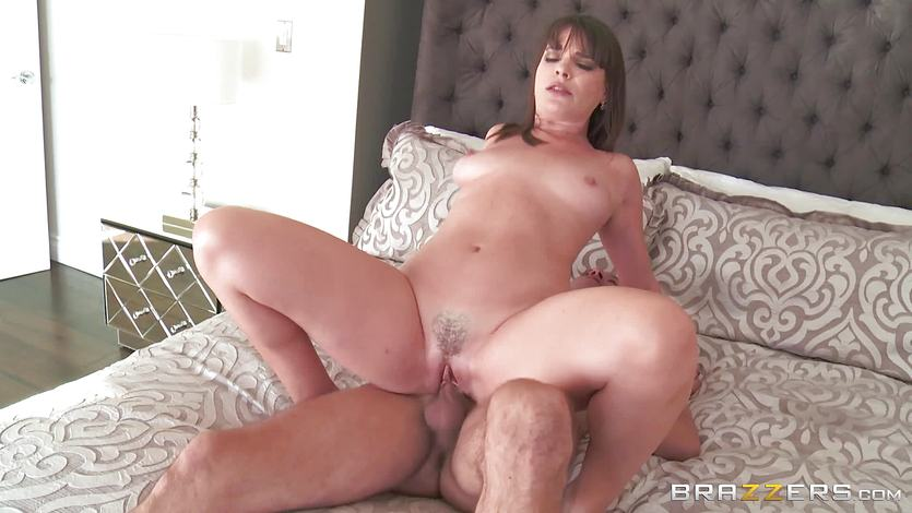 Mean mom Dana DeArmond fucks her daughters BF