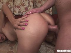 Milf Payton Leigh gets her pussy drilled