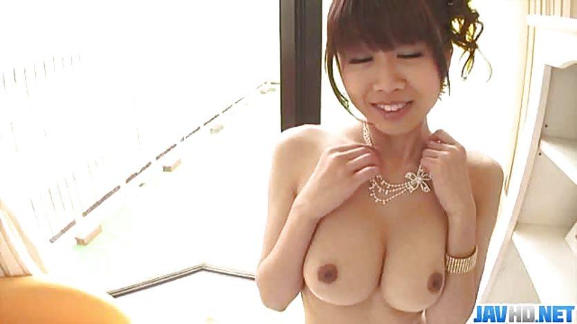 Cramming the clit slit of Ririka Suzuki