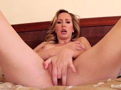 Hottie Brett Rossi masturbating