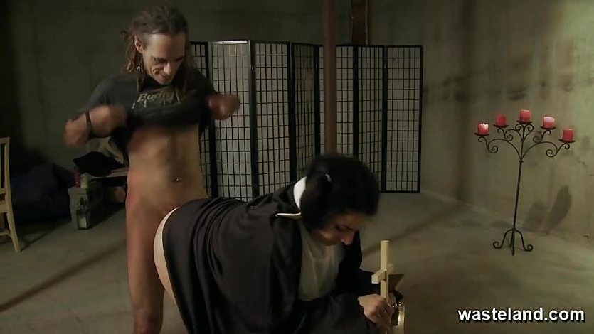 Nun gets naughty with priest
