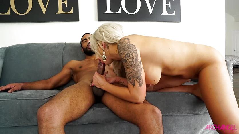 Huge black cock for kinky blonde Nina Elle