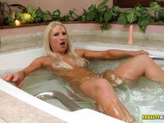 Pussy slammed muscular Lorena Fire