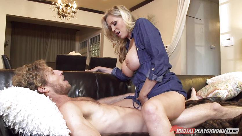 Mothers day milf banging Julia Ann