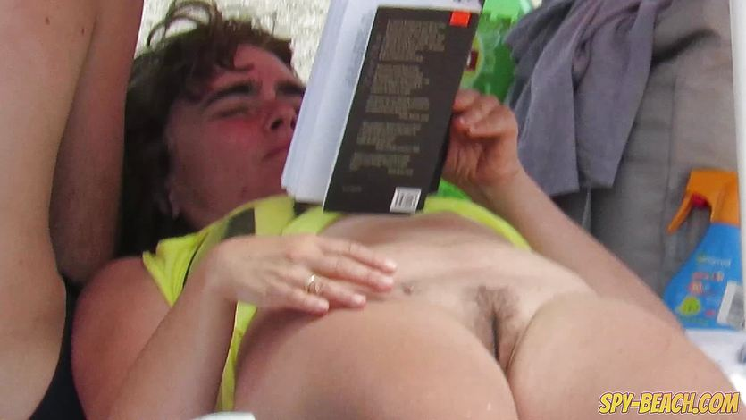 Sex On The Beach Voyeur MILFS
