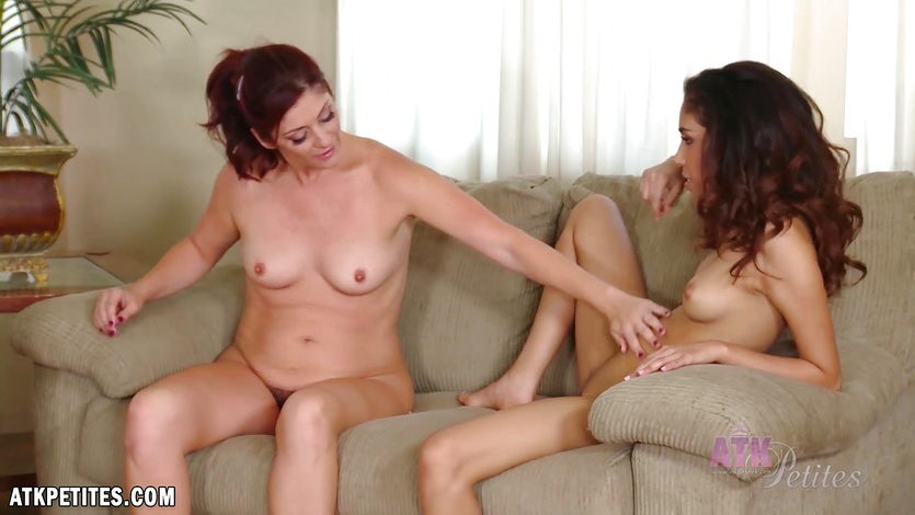 Selma and Alicia Silver Pussy Playtime
