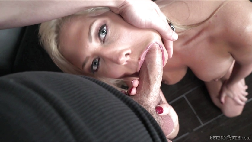 Mouthfull of cock for kinky Lexi Lowe