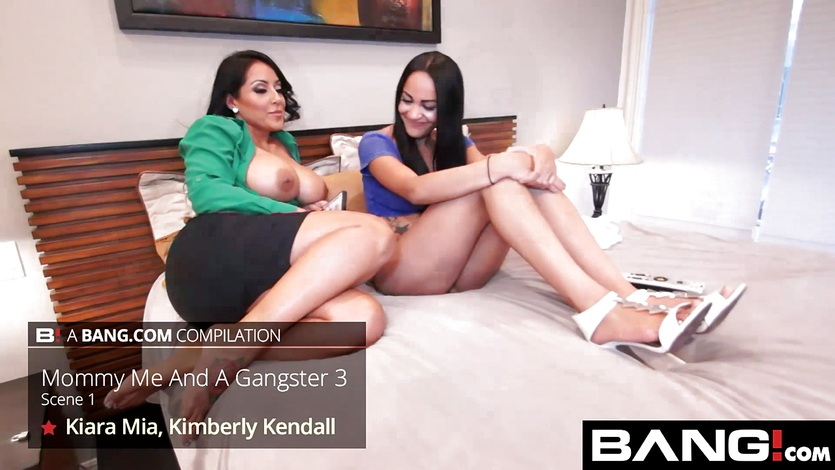 Kinky Latin Sluts Show Us The Best They Have