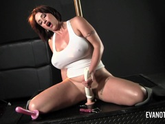 Busty Eva Notty masturbating
