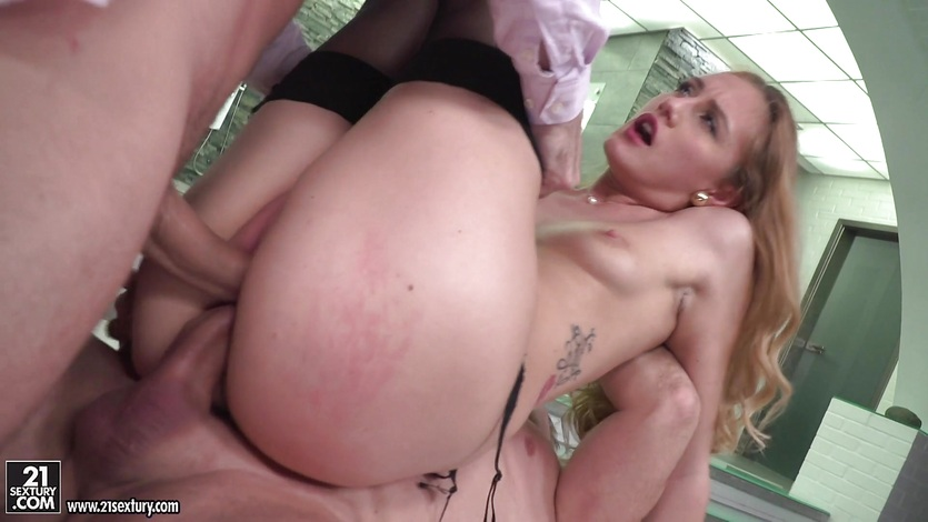 Butt and minge smashing Linda LeClair