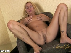 Payton Leigh plays with her self