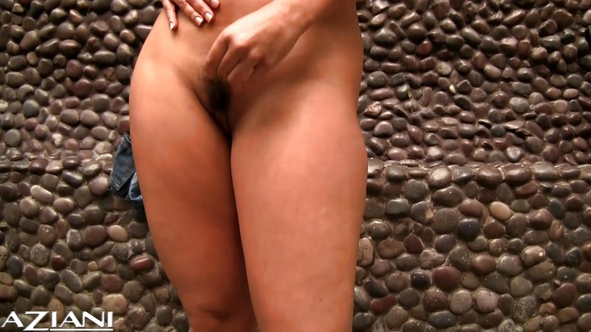 Beauty Aria Giovanni Gets naked for you