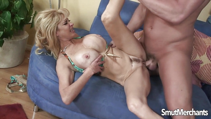 Blonde milf Tara Moon loves cock