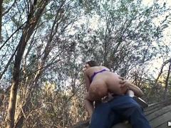 Honeypot humping Hayden Hennessy in nature