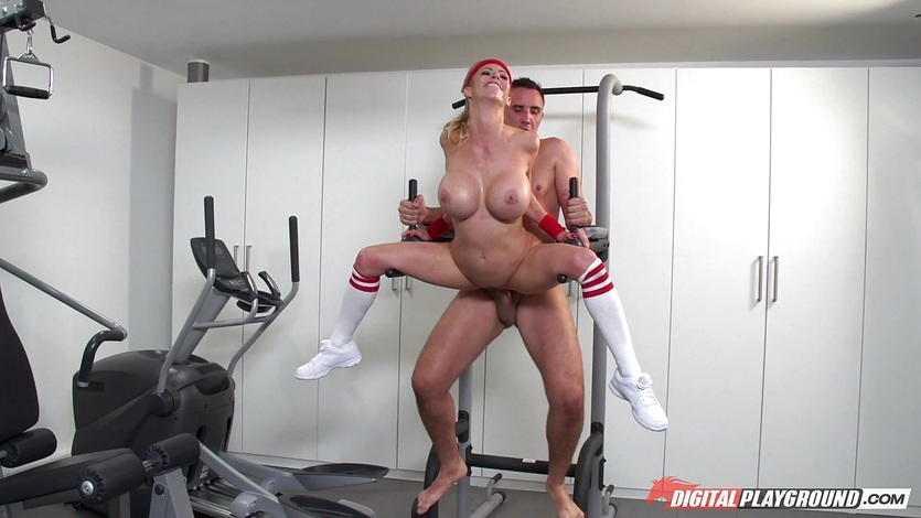 Keiran Lee Asks For A Blowjob While Alexis Fawx