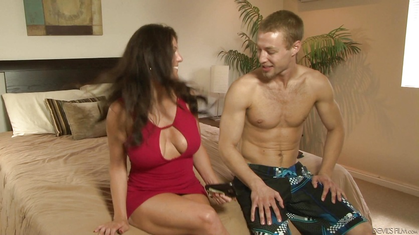 Cock of horny stud stuffed into MILF Casey Cumz