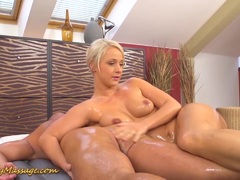 Big ass babe gets slippery session