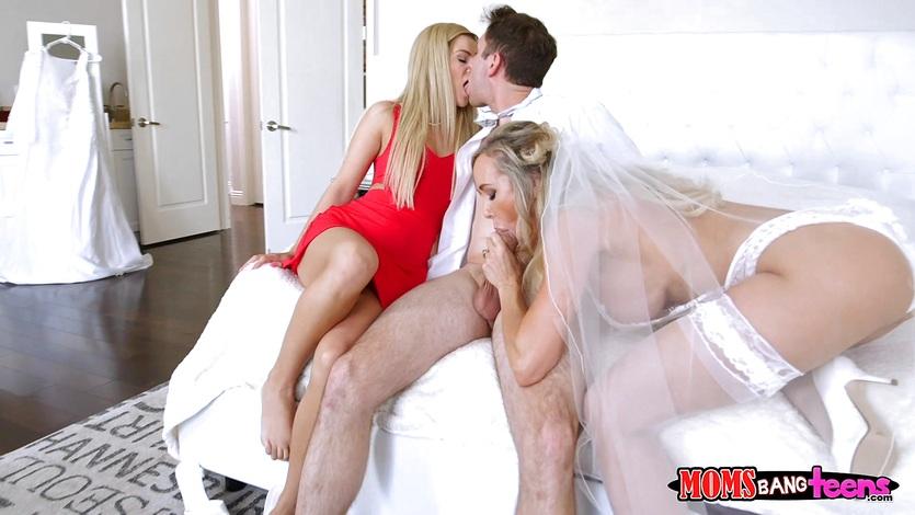 Eliza hot sexy naked babe