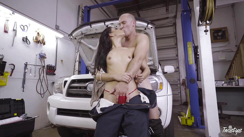 Gina Valentina fucks in her garage