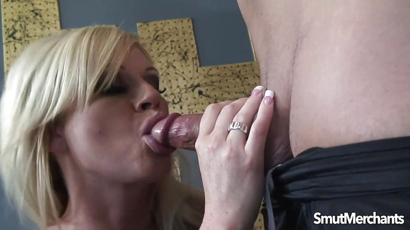 Super sexy blonde fucked deep and hard