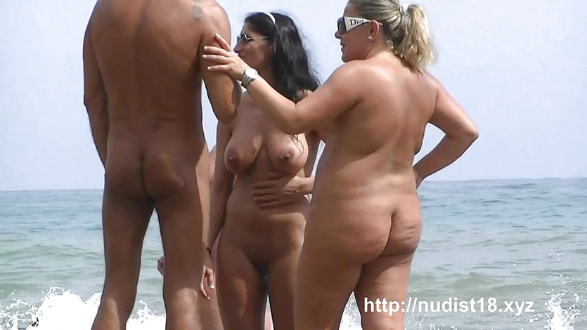 Nudist beach voyeur shots of sexy women