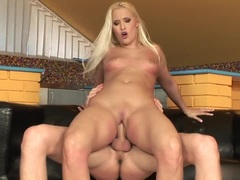 Blonde gets longawaited fuck in her pussy