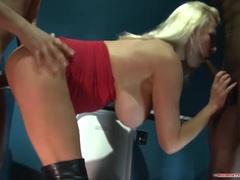 Blonde Michelle Thorne enjoys threesome
