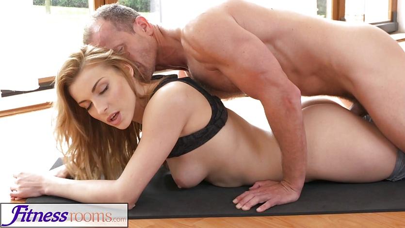 Free fitness room porn
