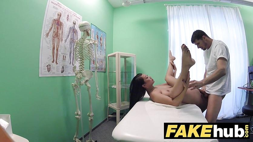 Fakehospital petite babe takes double cumshot