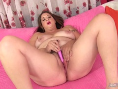 Chunky brunette with a hairy pussy Kailie Raynes uses sex toys
