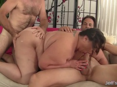 Sexy Double penetration for fatty Bella Bendz