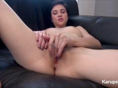 Babe Cadey Mercury masturbating