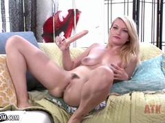 Cute Skylar Madison fucks her realistic dildo