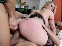 Sexy Aline addicted to double penetration