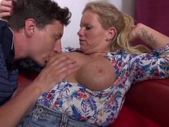 Kinky mature gets fucked in stockings
