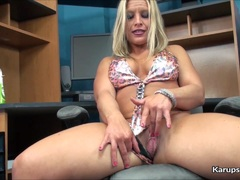 Sweet Skylar Rae Solo Fingering Her Pussy