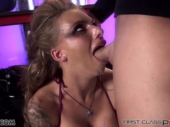 Babe Juelz take a big dick in her mouth