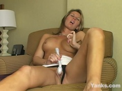Sexy MILF Desiree Jabiga Masturbating