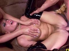 Hot Savannah loves intense anal