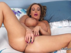 Sexy Milf Richelle Ryan Solo Masturbation