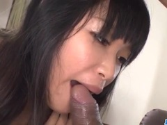 Hottie Yumi Tanaka gets pussy shaved and then fucked